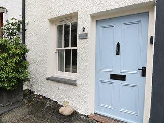 CAROLINE'S COTTAGE,WiFi,courtyard garden,Broughton in Furness,Ref 972555