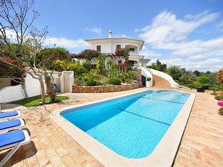 Villa Sequeira - Villa near the beach with private pool. Amazing location