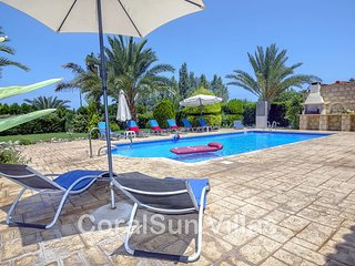 Marlin Beach Front Luxury Villa - 4 Bedrooms