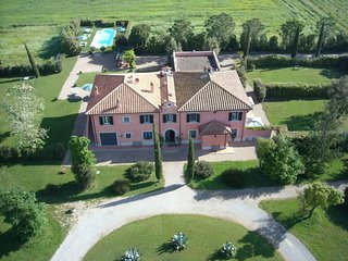 Villa La Tenuta Luxury Villa In Tuscany Coast
