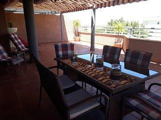 FANTÁSTICO ÁTICO terraza 65 m Playa- Piscina-Pádel