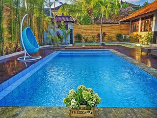 Oberoi Luxury Villas 16 BR, 150 m to KuDeTa beach