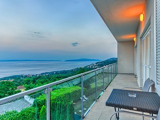Spacious 5 Bedroom HolidayHouse with private Pool near Opatija