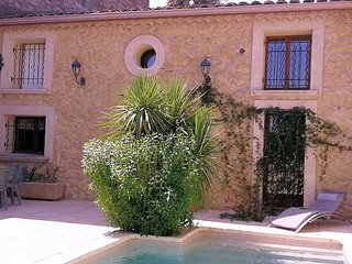 Holiday rental house in France with private pool near Pezenas