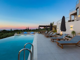 Villa Veggera / A luxurious stay with amazing sea view
