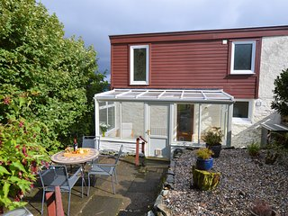 Springwell Cottage, sea views with private garden. Great value for money