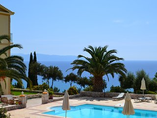 Lourdata, Kefalonia: cute Eagle's Nest studios, amazing sea view, swimming pool