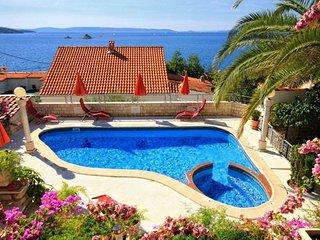 Holiday house Villa Bugenvilia