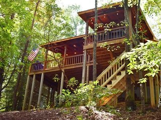 MOUNTAIN LAKE HIDEAWAY - 2BR/1BA, Sleeps 4, Single Story Home, Dock on Lake