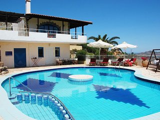 Ano Stalos Villa Sleeps 8 with Pool Air Con and WiFi - 5679482