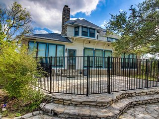 NEW LISTING! Spacious home with Canyon Lake views and a private pool!