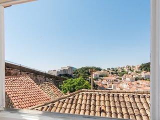 Spacious apartment in the center of Dubrovnik with Internet, Air conditioning, P