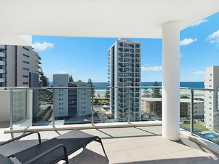 Eden Apartments Unit 901 - Luxury 2 bedroom apartment close to the beach Rainbow