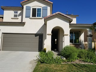 3 bed & 2 bath in new house of Rosena Ranch