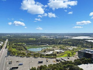 Australia Towers Floor 19 (Unit 19.06) - 3 Bedrooms with sensational Sydney CBD