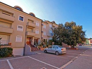 Apartment 841