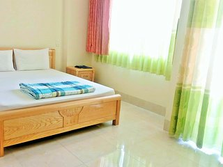 Ngoi Sao Guesthouse: Spotless Room with Balcony 1