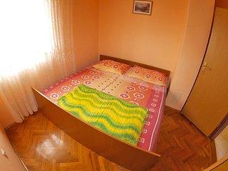 Apartment 809