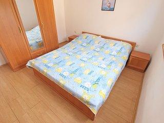 Apartment 810