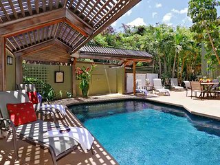 Poolside Bungalow 3bed/3bath, w/ Pool & Hot Tub- Steps To Beach
