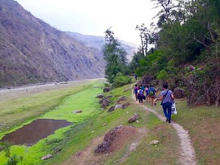 Back To The Himalaya Tours &Travels