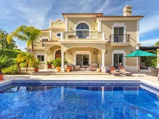 4 bedroom Villa in Vale do Garrao, Faro, Portugal : ref 5480377