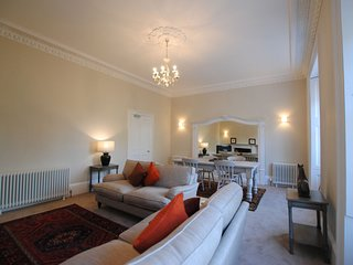 No 15, 15 Greyfriars Gardens, St Andrews - Fabulous Town Centre Apartment
