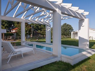 White Villas * Private Pool Villa * am Sandstrand * Meer, Strand, Tennis, Kanus