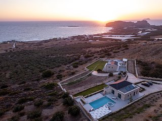 Villa Bespoke 2 with amazing seaview.close to the beach of Falasarna