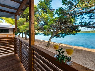 Croatia Camp Beach Mobile Homes Pirovac, Fully Equipped, Sleeps 7, vacation rental in Pirovac