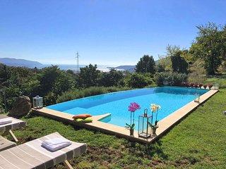 Villa Ambrosia with Pool, free WiFi, BBQ sea view near to Beaches & Cinque Terre