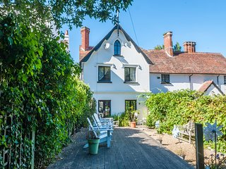 Gull Cottage, Bembridge - 4 Bedroom Family Holiday Home 100 Yards From Beach