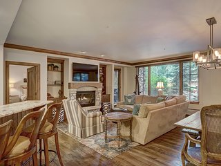 Ski in/out Condo 3Br 3Ba with Holiday Availability