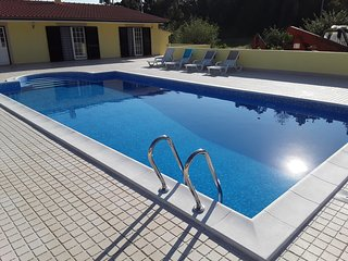 Maison  avec piscine et jacousi incorporé