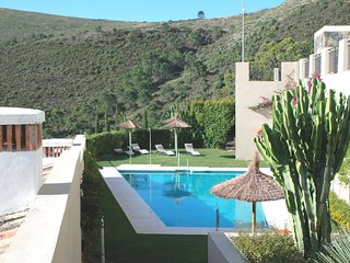 Townhouse 4 bedroom in Benahavis Village