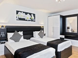 Luxury Apartments In The Heart of Peterborough (Twin Bedroom 29)