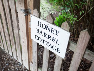 Honey Barrel Cottage 2 bedroom Stiffkey