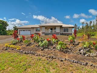 Upscale Keaau Home w/ Lanai, 20 Minutes to Beaches