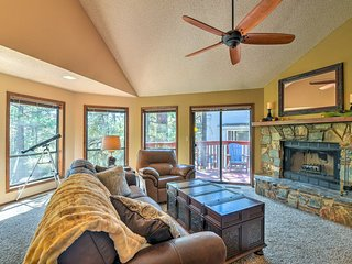 Wooded Retreat w/Deck: 4 Mi to Downtown Flagstaff!