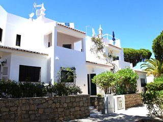 Vale do Lobo Villa Sleeps 6 with Air Con and WiFi - 5607835