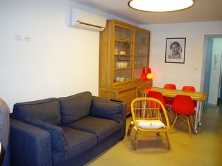 Renovated 2 bedroom apartment at 20m from the beach Salatar, Roses, Costa Brava