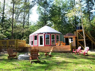 Secluded Yurt House - Private Lake, 80 Acres