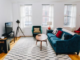 Luxurious and spacious 2BR 2BA in Soho with washer/dryer
