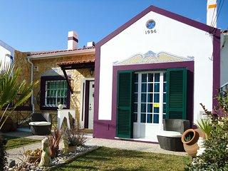 CASA da RIBEIRA (Sesimbra) perto da praia, ferias em familia