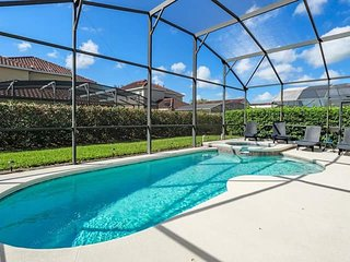 Beautiful 4 bedroom, 3 bathroom South Facing home in Tuscan Hills with pool