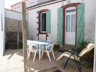 maison de pays dans le village de la Terriere
