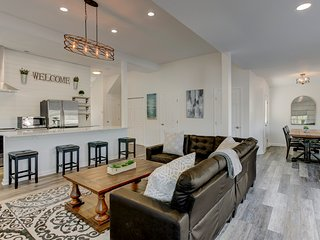 Stunning New Home 1 mile from Downtown: hypoallergenic