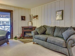 Cozy, affordable condo with shared hot tub at Purgatory Ski Resort