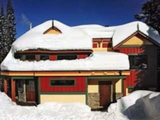 Snow Yeti - 4 Bedroom Luxury Home on the Knoll - Sleeps 12