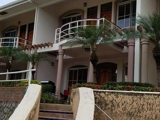 Casa Esperanza SJDS - plunge pool and short walk to the beach!